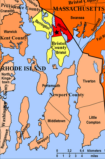 "The town of Warren, Rhode Island is in red at the top.  In New England a ""town"" is the equivalent of our township."
